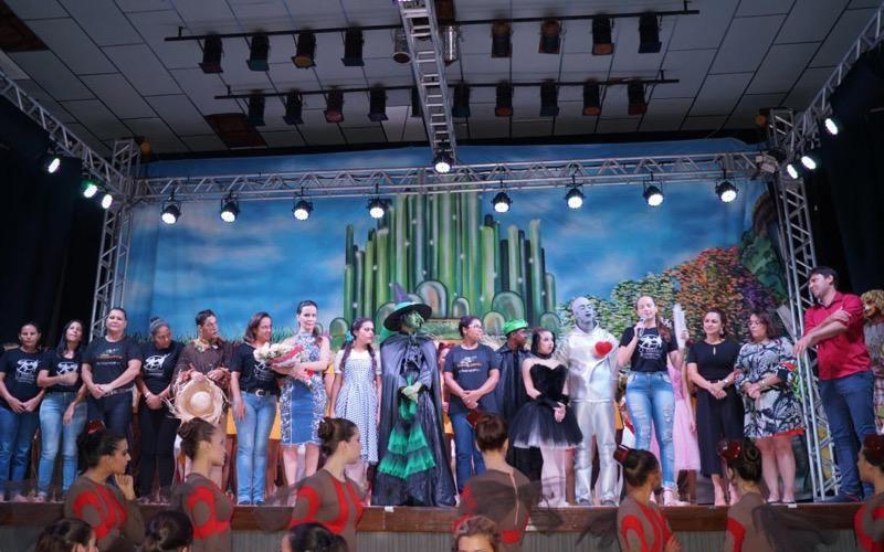 IORM levou o Mágico de Oz da Usina da Dança para Miguelópolis e Guaíra