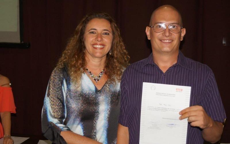 Alunos recebem certificado pela conclusão da primeira fase do Projeto Sustent´ARTE