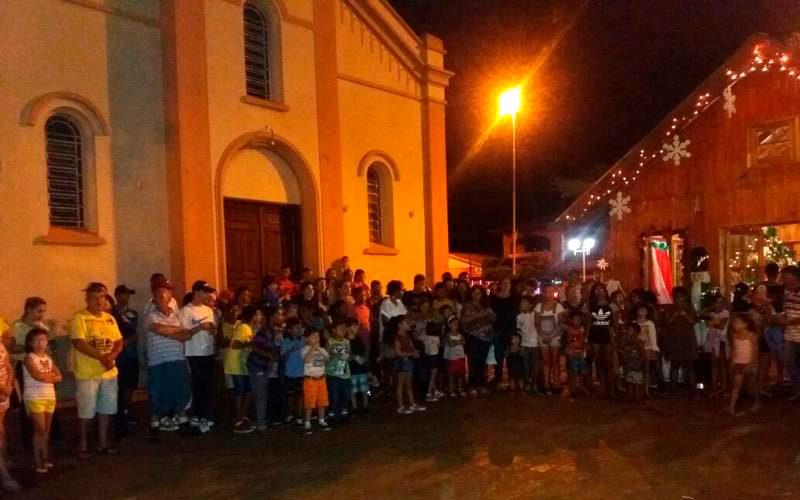 Usina da Dança presente à chegada do Papai Noel em Miguelópolis