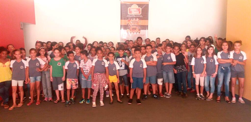 Cinergia recebeu alunos de quatro instituições da rede oficial de Guaíra para exibição do Projeto Escola no Cinema