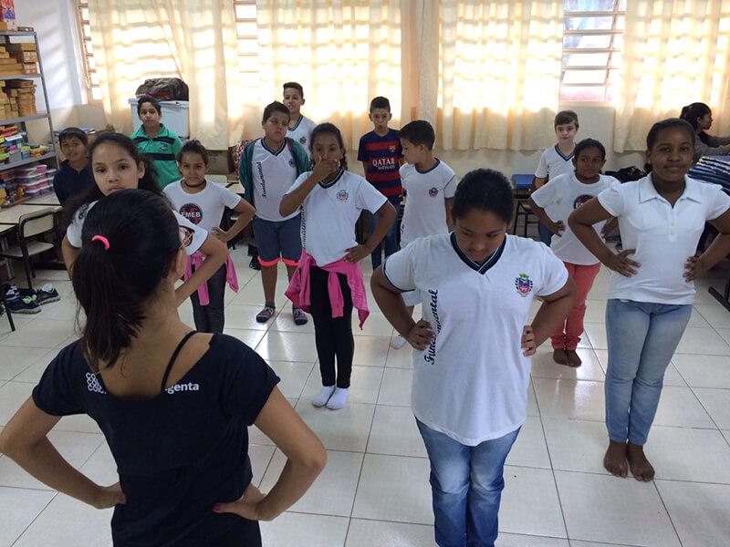 Aulas da Usina da Dança chegam à Escola