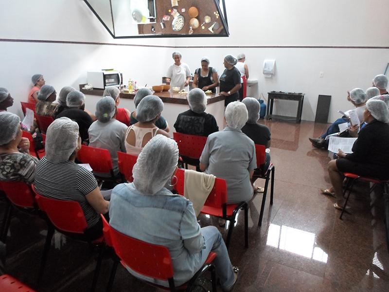 Curso de Culinária Regional foi oferecido gratuitamente no Núcleo Cultural Oswaldo Ribeiro de Mendonça, em Ipuã