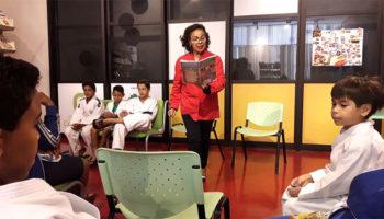 Alunos do Projeto Judô Branco Zanol participam de contação de história