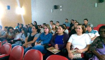 """Sala Cinergia exibe """"Nunca me Sonharam"""", uma reflexão sobre os desafios da escola"""