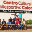 Jovens visitam Centro Cultural Colorado