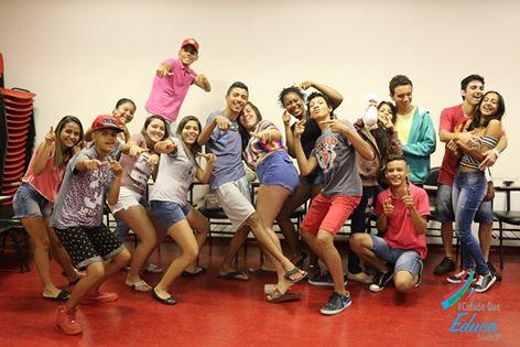 Sala Cinergia recebe alunos da Escola Dava Lellis - Guaíra