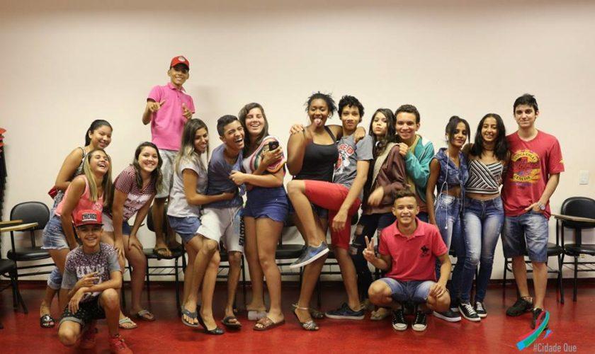 Sala Cinergia recebe alunos da Escola Dava Lellis