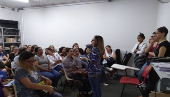 Artes e Ofícios Josy Ribeiro de Mendonça dialoga sobre Espetáculo Sonhos com famílias dos alunos